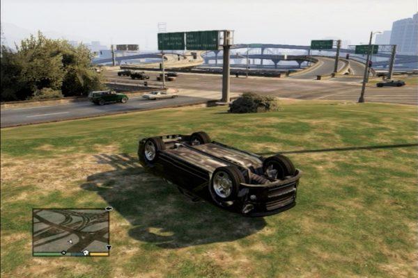 GTA5 車横転
